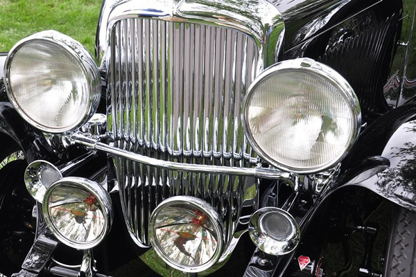 Duesenberg J grille and lamps