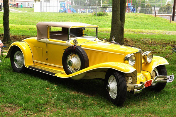 Jack and Luci Laughlin 1929 Cord L-29 Cabriolet