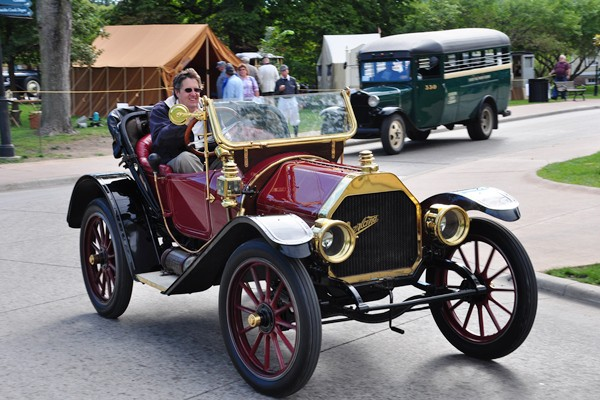 Overland roadster on the avenue