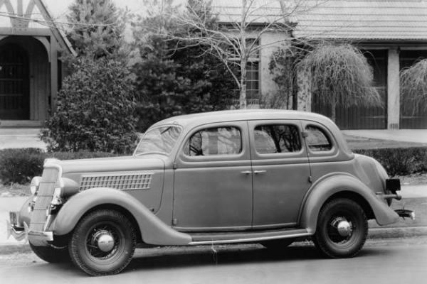 1935 Ford Fordor Touring Sedan tudor homes