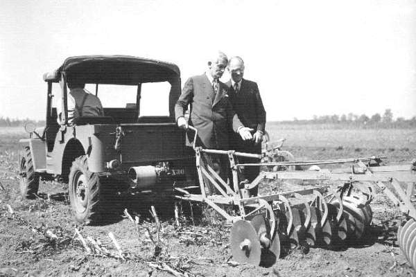 Jeep with disc Charles Sorensen and Ward Canaday