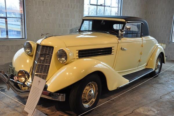 1935 Auburn 653 Coupe
