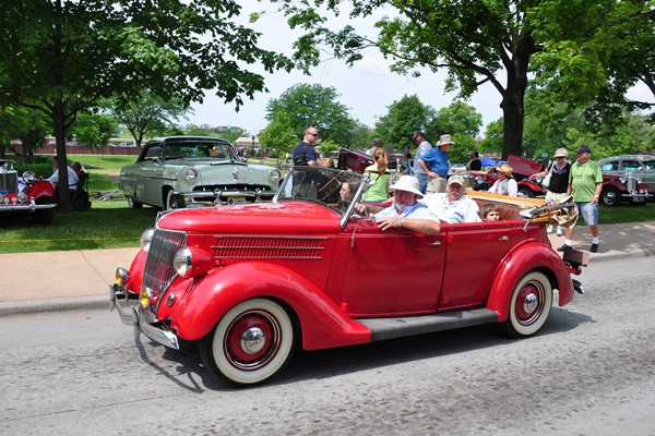 1936 Ford Phaeton under way