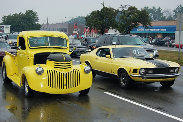 1970 Mustang and Chevy pickup