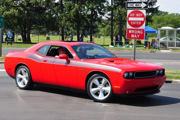 Dodge Challenger RT red