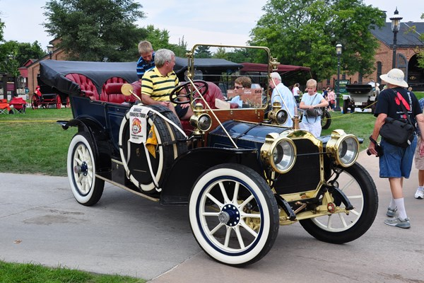 1908 Packard Model 30 Daniel Sommer curb