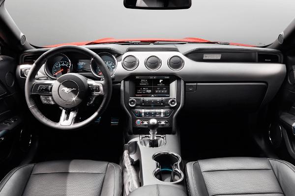 2015 Mustang dash
