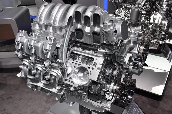 Chevrolet 6.2L Ecotec 3 V8 cutaway