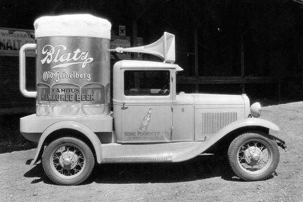 1932 Ford truck Blatz beer