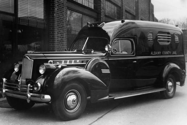 1940 Packard Super 8 Police Wagon