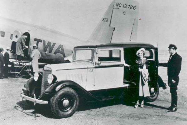 1936 International C1 TWA Airport Limo