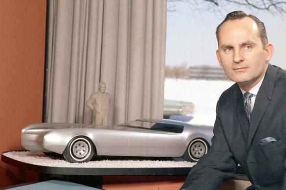GM Stylist Chuck Jordan with Cadillac proposal