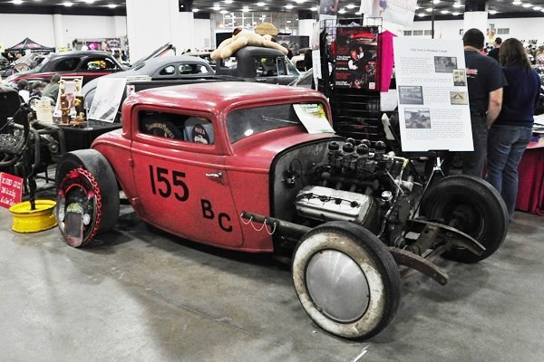 1932 Ford 3W channeled coupe Mizzi and Gonzalez