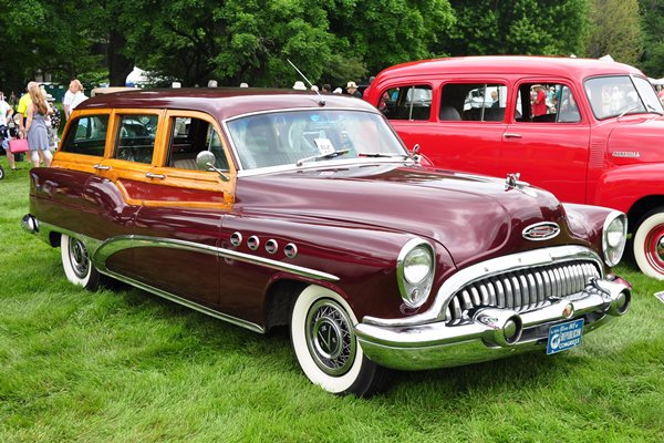 1953 Buick Roadmaster Estate Wagon Cliff & JoAnn Rothrock