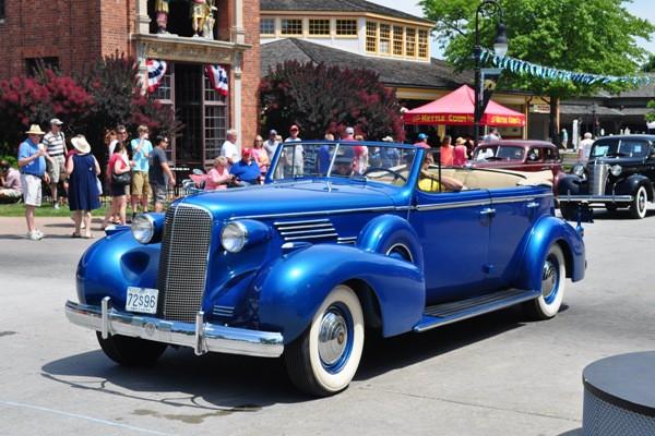 1937 Cadillac 75 Fleetwood Phillip Morris