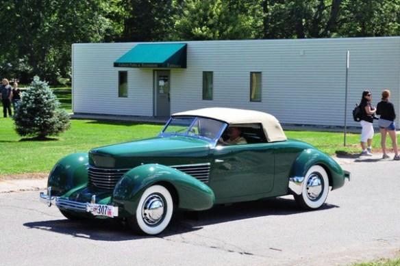 1936 Cord 810 Cabriolet