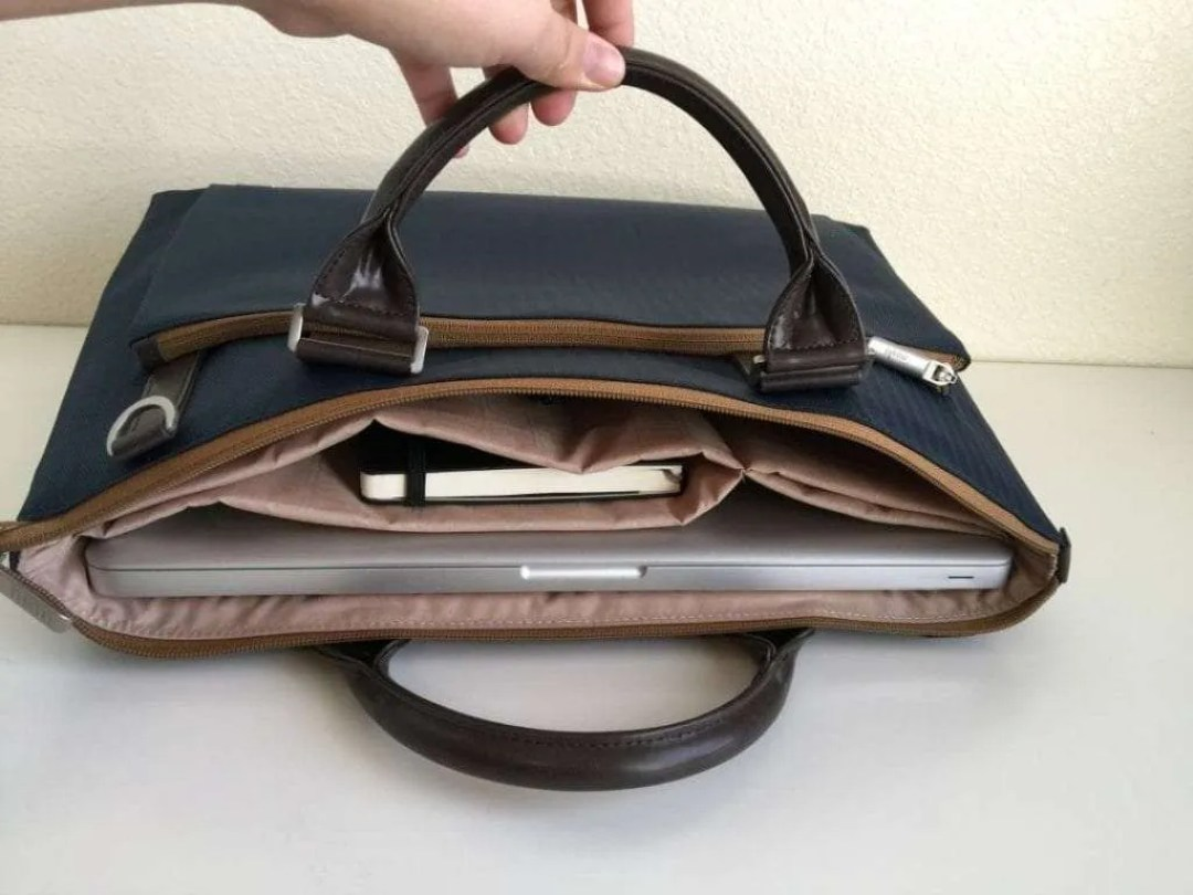 Moshi Urbana Slim Laptop Case