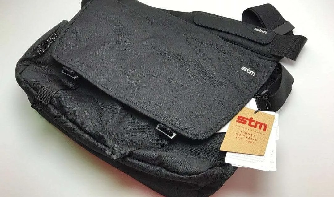 "STM Radial 15"" Laptop Messenger Bag REVIEW"