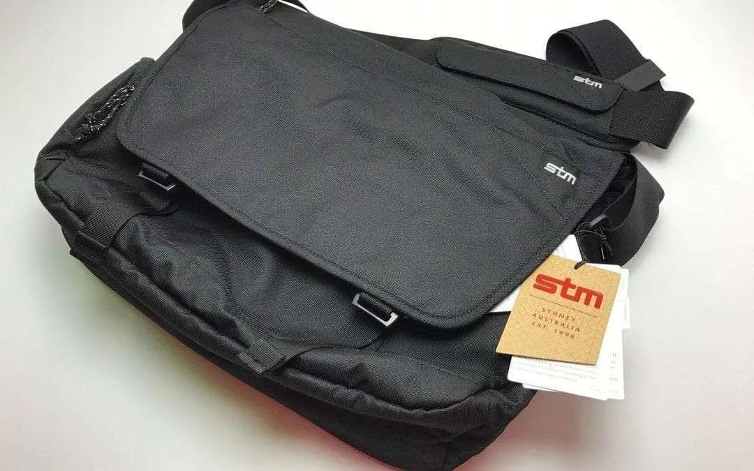 "STM Radial 15"" Laptop Messenger Bag REVIEW"