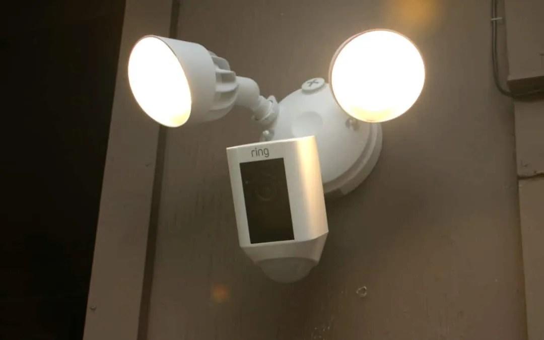 Kết quả hình ảnh cho Ring Floodlight Cam vs. Maximus Camera Floodlight