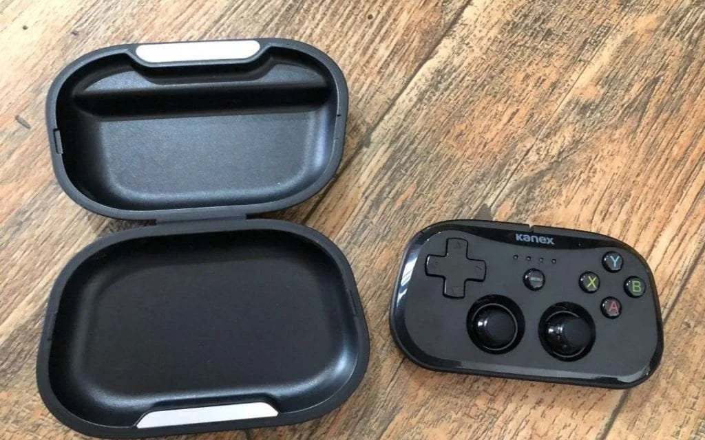 Kanex GoPlay SideKick Controller REVIEW Console-like gaming on-the-go.