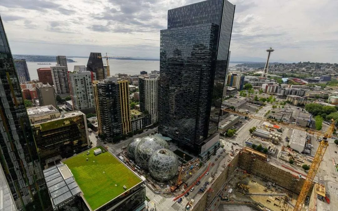The Spheres Blossom at Amazon's Urban HQ in Seattle NEWS