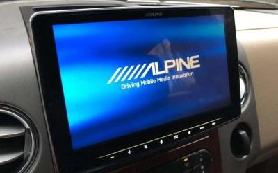 Alpine Halo9 iLX-F309 REVIEW Nine Inch Screen of Joy