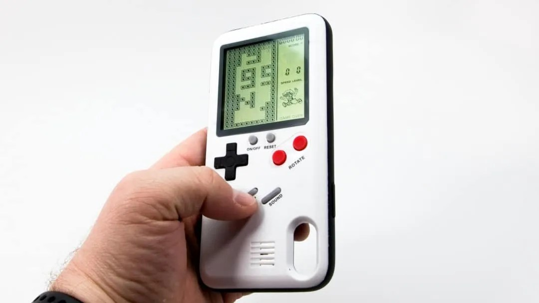 retro inspired video game phone case review