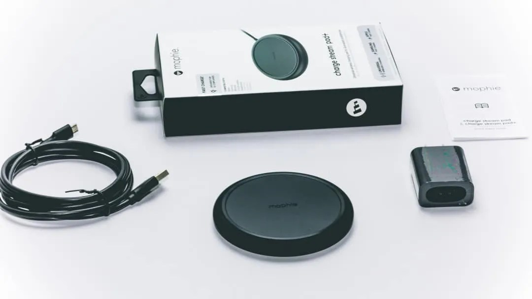 new product e929e fb0f8 Mophie Charge Stream Pad+ Wireless Charger REVIEW | Mac Sources
