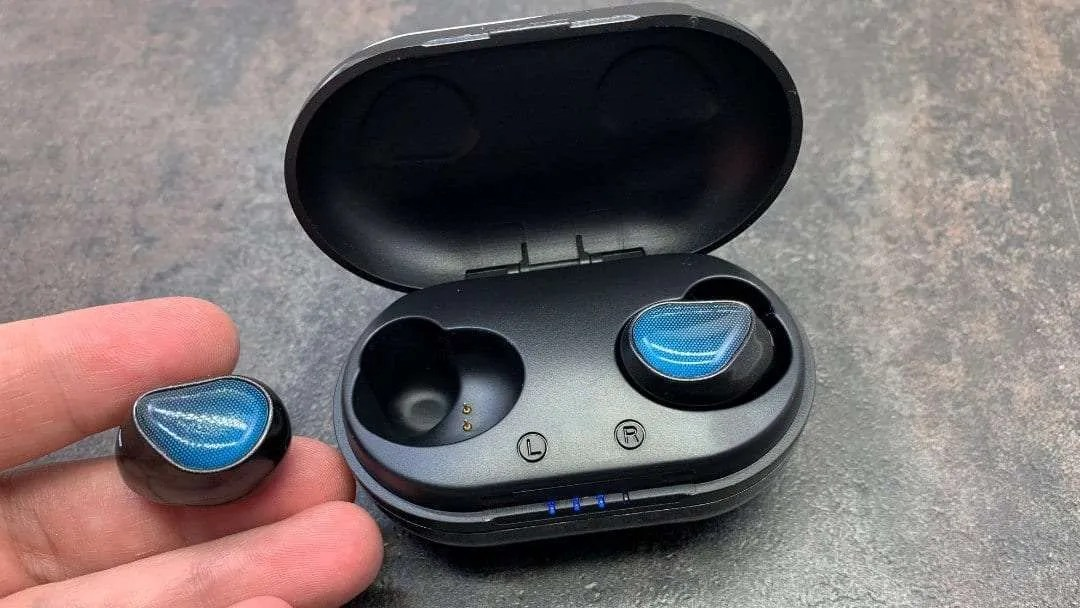 Atto X Intelligent Headset REVIEW Comfortable Wireless Earbuds