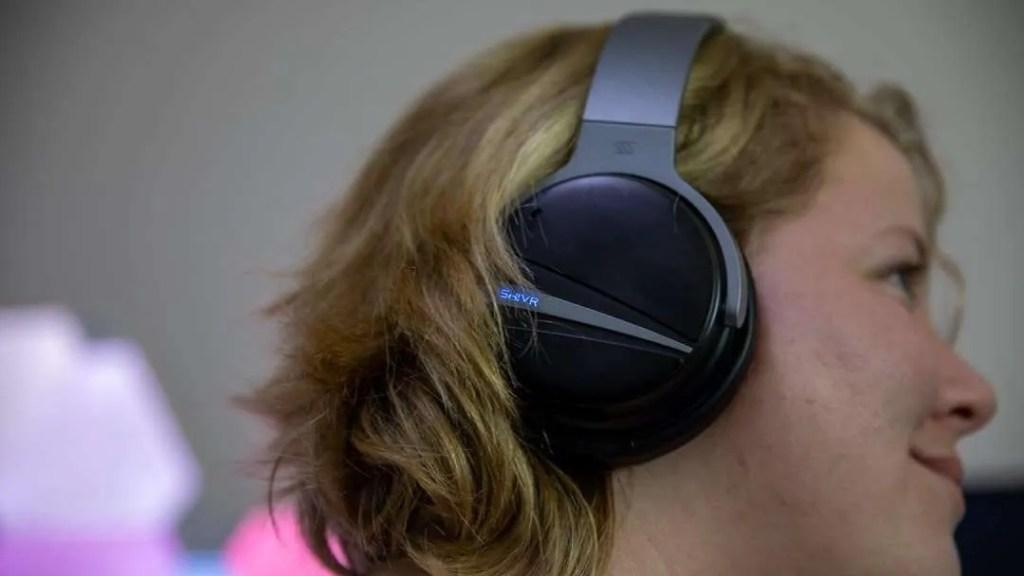 SHIVR 3D Noise Cancelling Headphones REVIEW