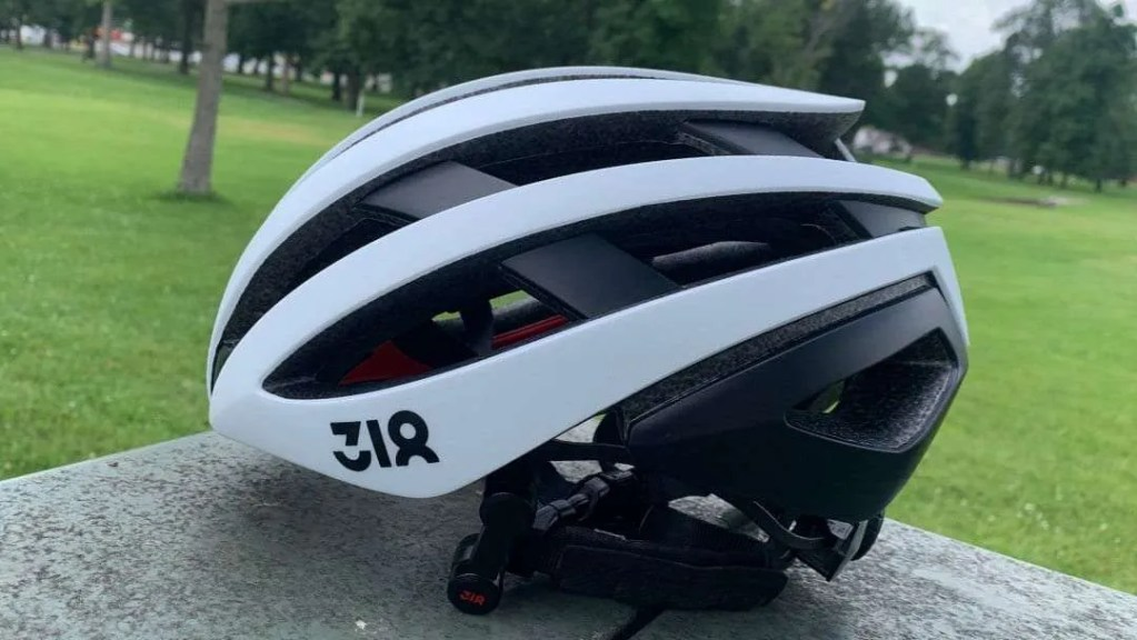 FiTech Sports Technology 318 SH50 Road Bike Helmet REVIEW