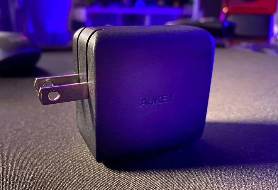 AUKEY OMNIA MIX 65W DUAL-PORT PD CHARGER REVIEW