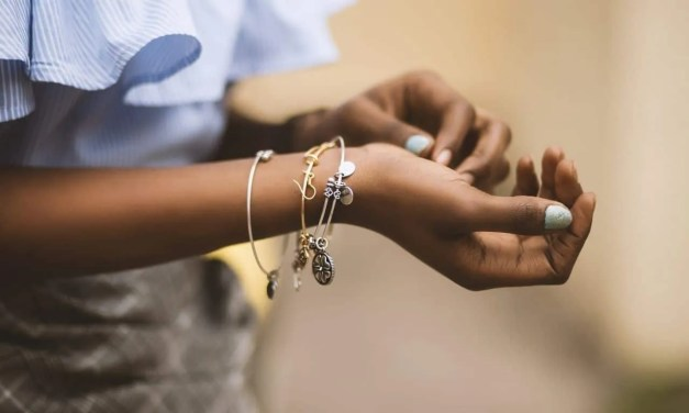 Jewelry Pieces That Make for the Perfect Gift if You're on a Budget
