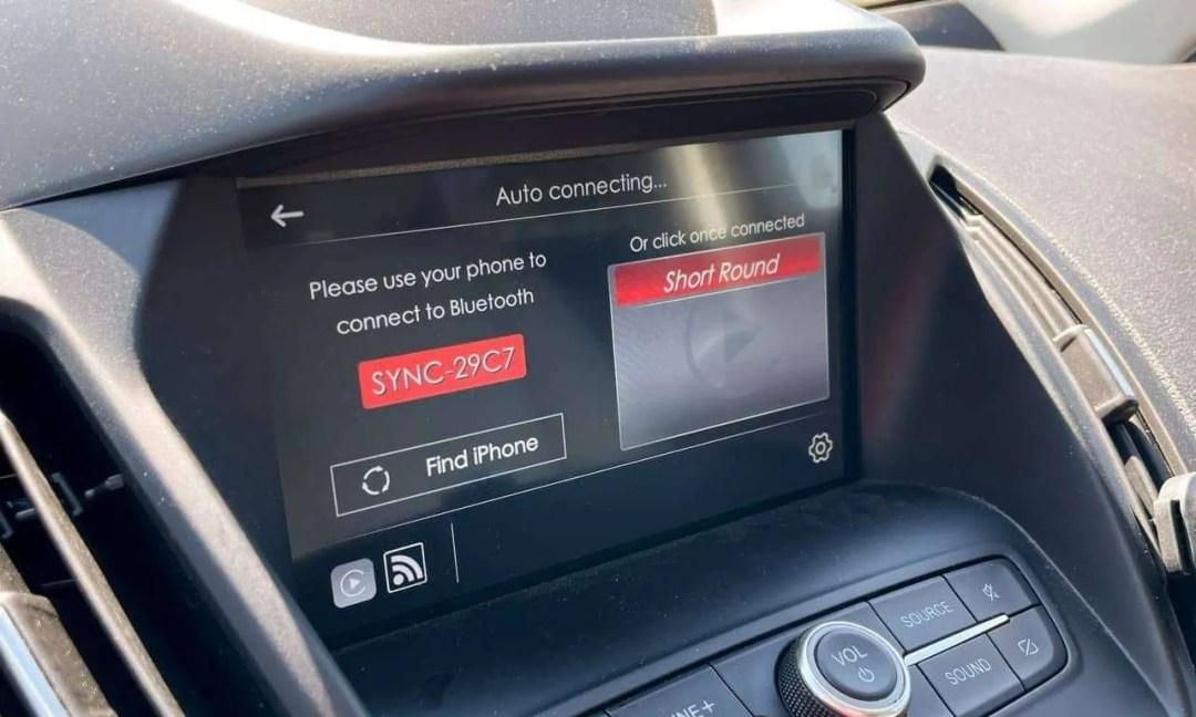 DriveLink Wireless CarPlay Adapter