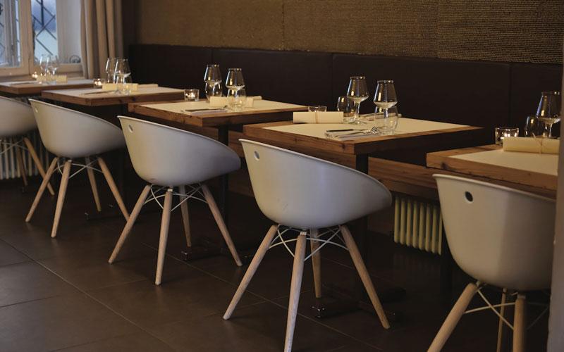 Tavoli Sedie Bar.Tavoli Sedie Per Ristoranti Usati Eleganza E Raffinatezza
