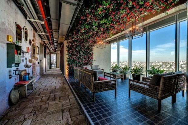 09.google-tel-aviv-view-hallway_28657-660x440