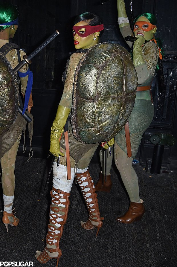Rihanna-Dressed-Up-Teenage-Mutant-Ninja-Turtle-Photos (1)