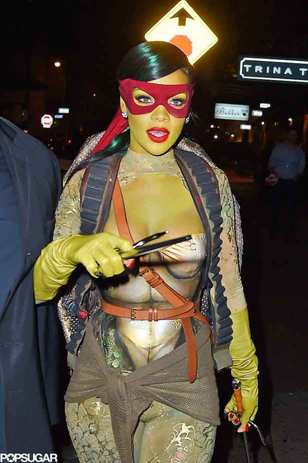 Rihanna-Dressed-Up-Teenage-Mutant-Ninja-Turtle-Photos (2)