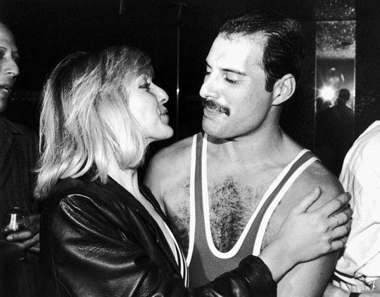 freddie-with-mary-austin-mercury_s-38th-birthday-party-at-xenon-in-london-002