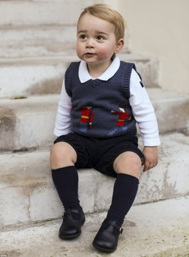 2407BDD800000578-0-Prince_George_dressed_in_an_adorable_jumper_in_a_picture_that_wa-a-31_1418499317923