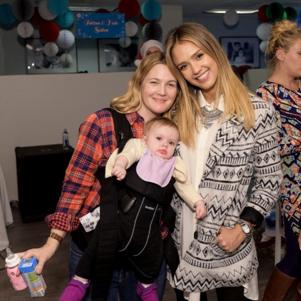 Drew-Barrymore-Daughters-Jessica-Alba-Holiday-Event-1
