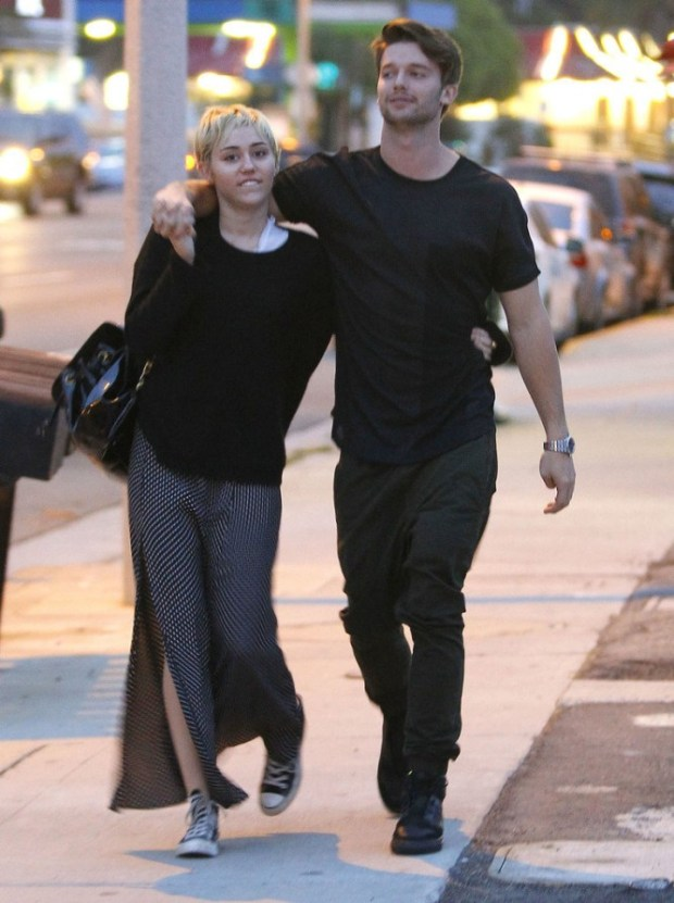 Miley-Cyrus-Patrick-Schwarzenegger-Show-PDA-Pictures-6