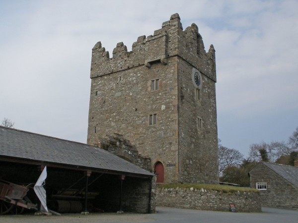 lets-start-with-an-easy-one-castle-ward-in-county-down-northern-ireland-provided-the-backdrop-for-which-famous-castle.jpg.pagespeed.ce.WlaITznOvc