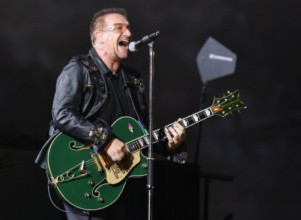 """Bono Vox says """"I'm not sure to be able to play guitar anymore"""""""
