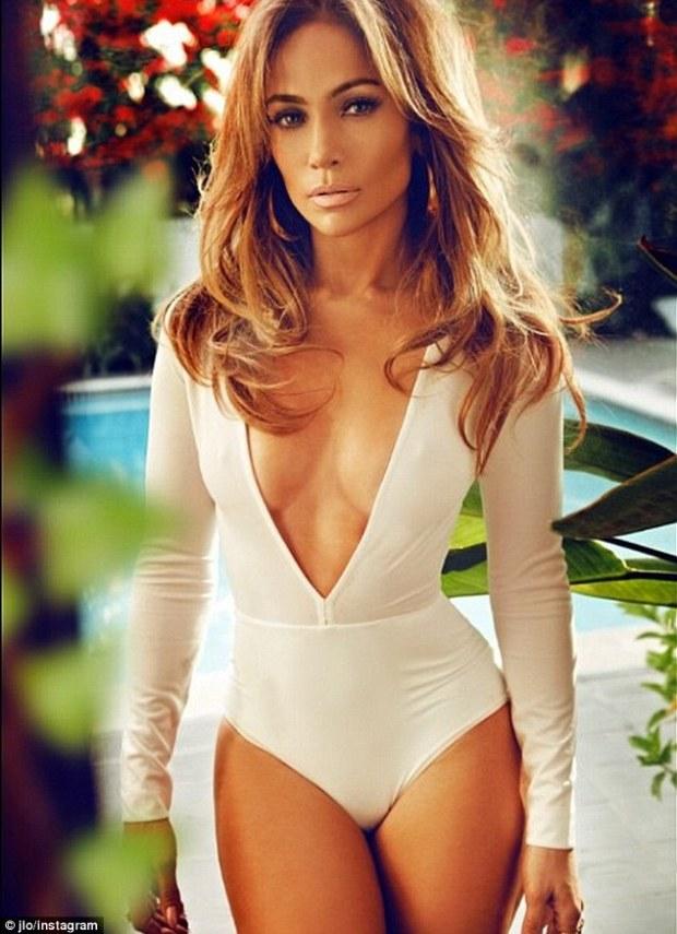 Jennifer Lopez QW 1