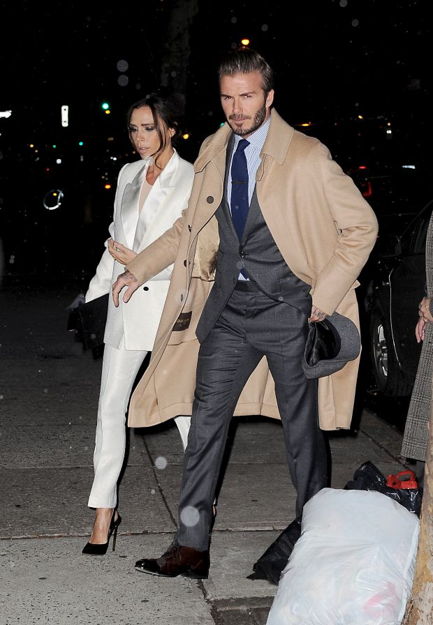 Victoria Beckham and David Beckham dressed up as they headed to Anna Wintours apartment in NYCPictured: Victoria Beckham and David BeckhamRef: SPL1223005  080216  Picture by: Splash NewsSplash News and Pictures