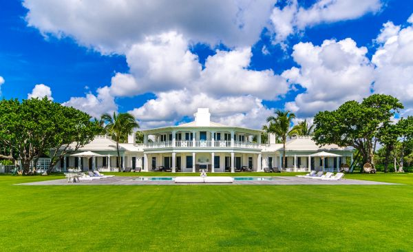 Check out Celine Dion's exclusive Florida estate, which can be yours for a mere $72.5 million. The 10,000 sq ft oceanfront pad in Jupiter Island is now up for sale only three years after being finished. Photos courtesy of Sotheby's International Realty Quebec show the stunning spacious interior of the Bahamian style home which has its own extravagant water park. Dion is said to be offloading the dreamy residence because she and her family don't have time to enjoy it. Pictured: General view Ref: SPL598844  230813   Picture by: Sotheby's/Splash News Splash News and Pictures Los Angeles:	310-821-2666 New York:	212-619-2666 London:	870-934-2666 photodesk@splashnews.com