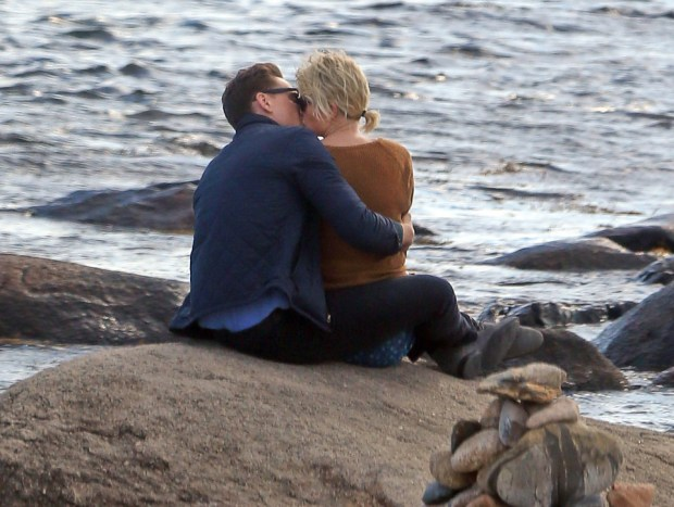 Taylor Swift was spotted with new love interest, British actor Tom Hiddleston. The two were spotted canoodling on the rocks along the beach in Westerly, RI. In between kissing the two posed for many selfies. Hiddleston, almost 10 years older than Swift, w