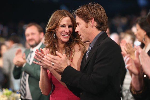 celebrities που παντεύτηκαν φαν τους